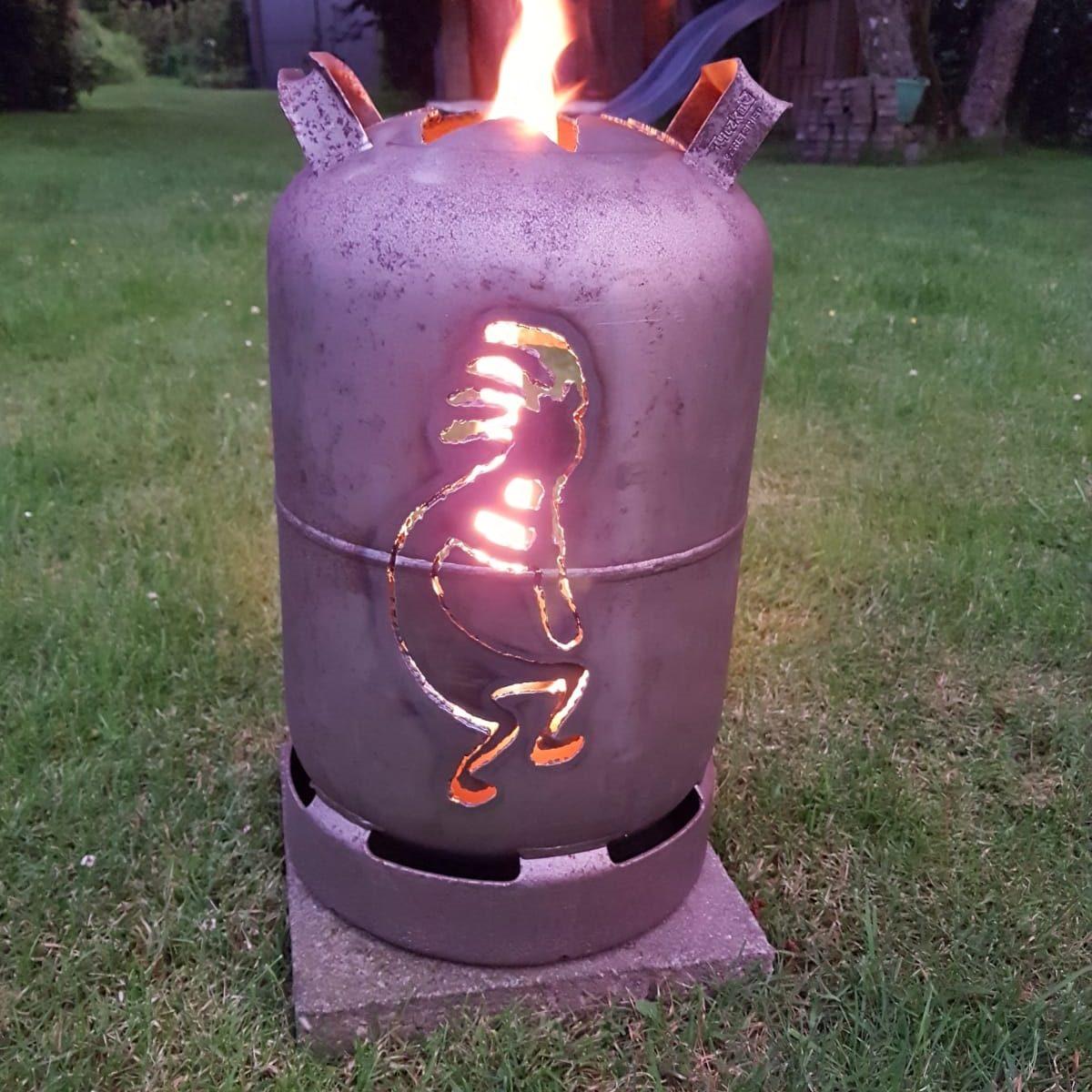 Kokopelli - das religiöse Symbol der Anasazi-Indianer als Heldenfeuer.